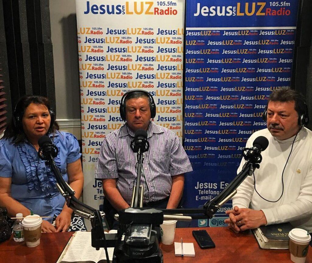 Jesus Es Luz Radio